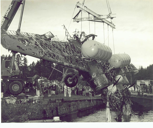 1985 RK Wellington Bomber Loch Ness
